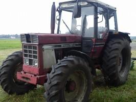 Ciągnik IHC 1055
