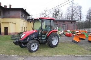 ciągnik rolniczy komunalny pomocniczy Tym 50 KM prawie nowy