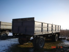 przyczepa D-83   10 ton sztywna stan bdb.