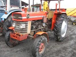 Ciągnik rolniczy MF