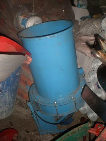 Maszyna do produkcji brykietu ze słomy